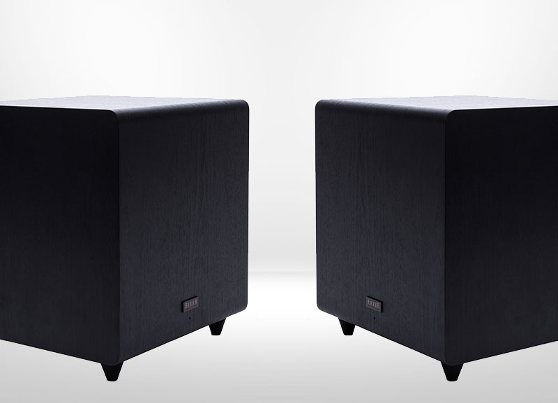 2 Subwoofer Pre-Out